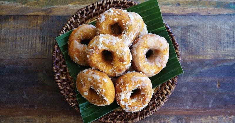 Seasaltwithfood: How To Make Kuih Keria (Sweet Potato Doughnuts)
