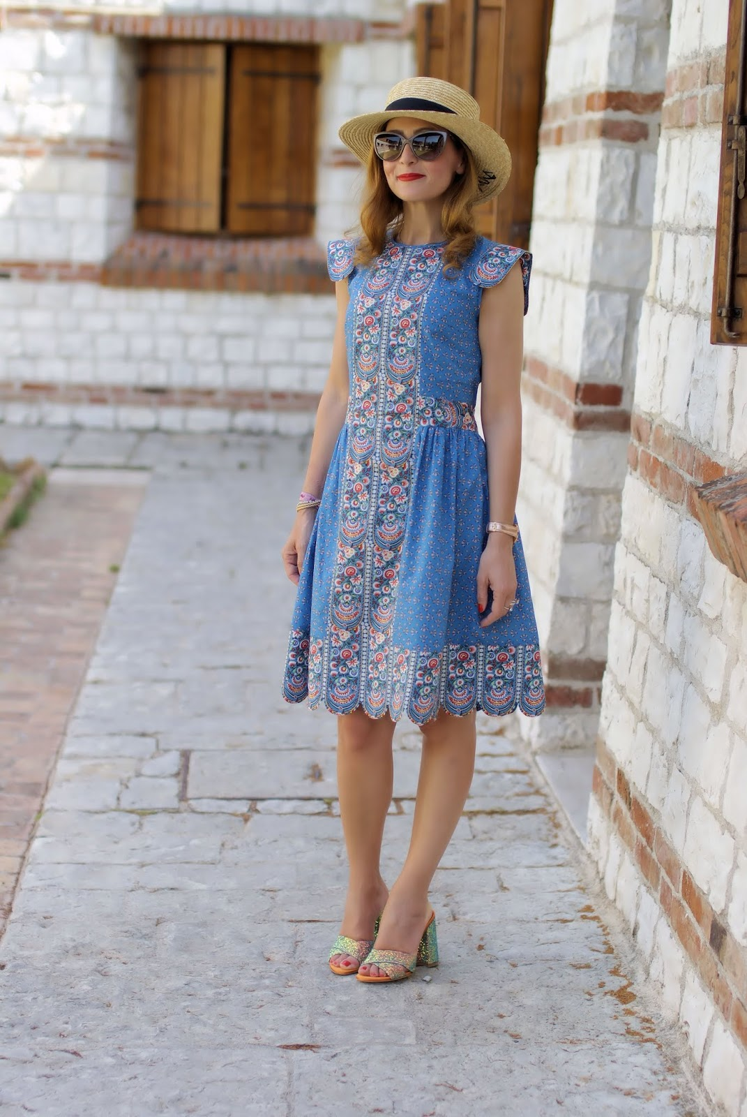 Vintage folk style summer dress and Giancarlo Paoli shoes on Fashion and Cookies fashion blog, fashion blogger style