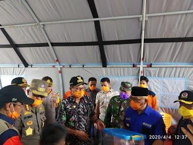 Gubernur Sumatra Barat Irwan Prayitno Beserta Rombongan Meninjau Posko Gugus Tugas Penanganan Covid-19 di Perbatasan Provinsi Sumatra Barat dan Sumatra Utara di Kecamatan Ranah Batahan, Kabupaten Pasaman Barat