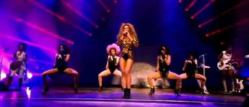 Beyoncé performs 'End of time' at Glastonbury | Live performance