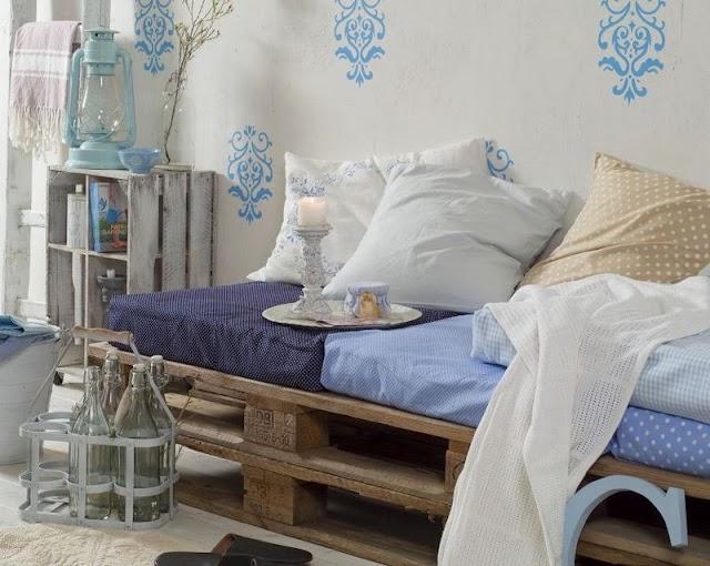 Ο απόλυτα καλοκαιρινός, πρακτικός αλλά και οικονομικός Καναπές - Κρεβάτι