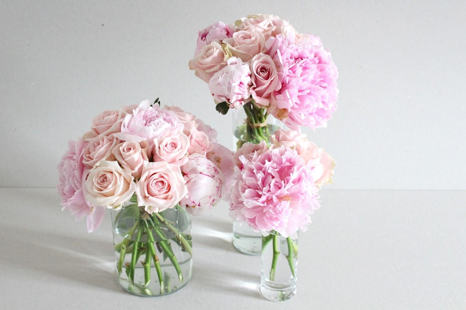 Centre de tables boule de roses et pivoines rose pale