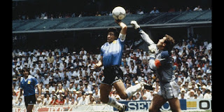 Maradona score a goal with his hand