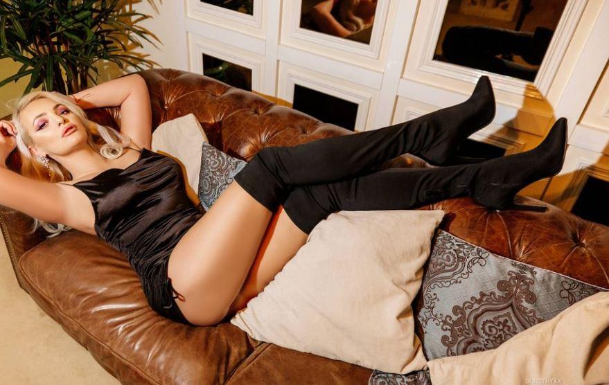 Dorothyxx Model GlamourCams