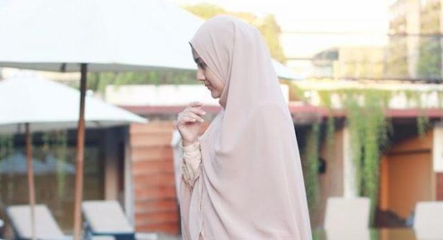 Wahai Muslimah, Janganlah Hijrahmu Itu Hanya Sekedar Menjadi Pemanis Penampilan Saja