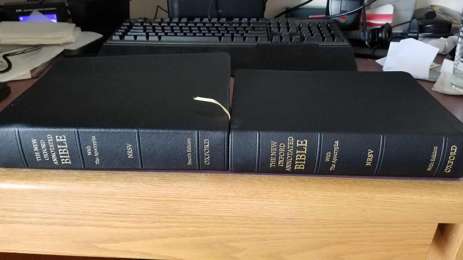 Download [pdf] the new oxford annotated bible with apocrypha: new rev….