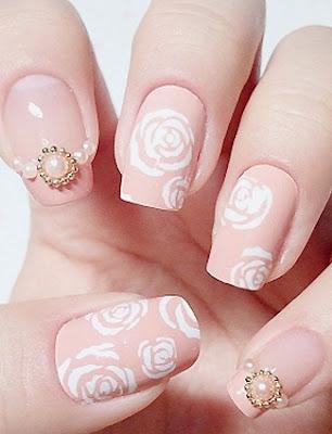 Uñas de novia con piedras