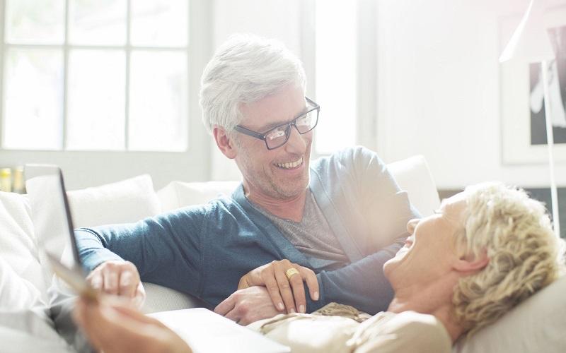 Como se Conectar Emocionalmente Com Sua Esposa: 7 Maneiras de Construir um Vínculo Forte