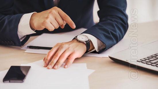 advogado sem registro horas extras direito