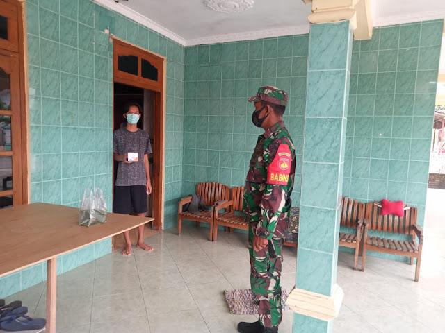 Koramil Karangdowo Bersama Bidan Desa Bagikan Obat Gratis Dari Pemerintah