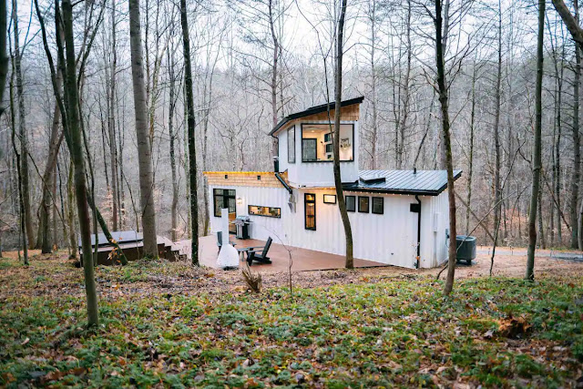 Box Hop Shipping Container Homes, Ohio, USA 1
