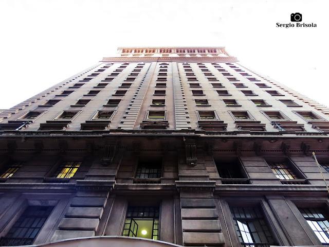 Perspectiva inferior da fachada lateral do Edifício Martinelli - Centro - São Paulo