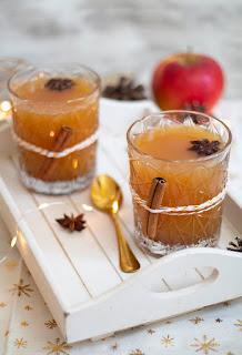 Recette d'un délicieux jus de pomme chaud aux épices de Noël