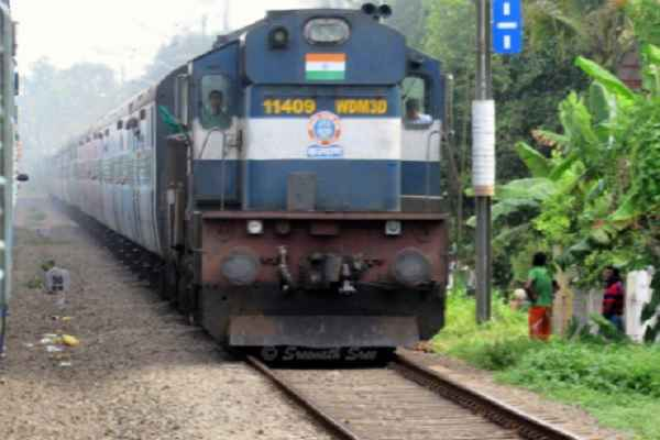 hindi-news-lover-boy-and-girl-suicide-under-train-in-barelili