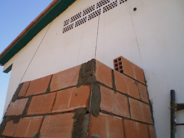 construir chimenea de obra