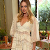Margot Robbie in Zimmermann