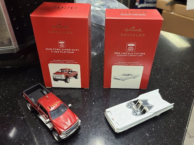 Hallmark Keepsake: 2018 Ford F-350 Super Duty Platinum + 1955 Lincoln Futura Concept Car batmobile Christmas Tree Ornaments