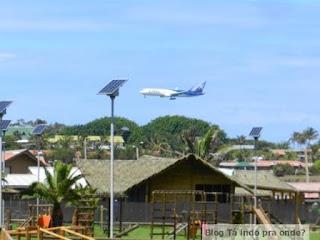 avião pousando na Ilha de Páscoa