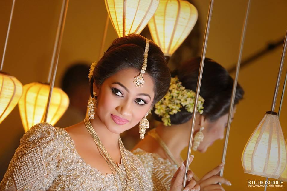 upeksha swarnamali bride