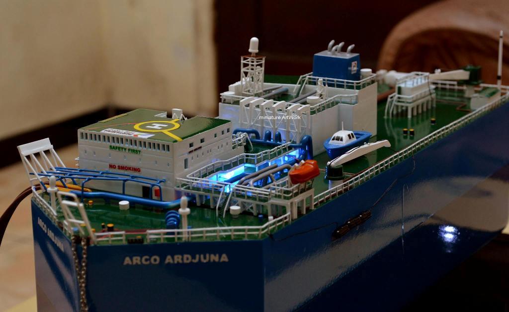 jual miniatur kapal tanker fso arco ardjuna floating storage offloading termurah