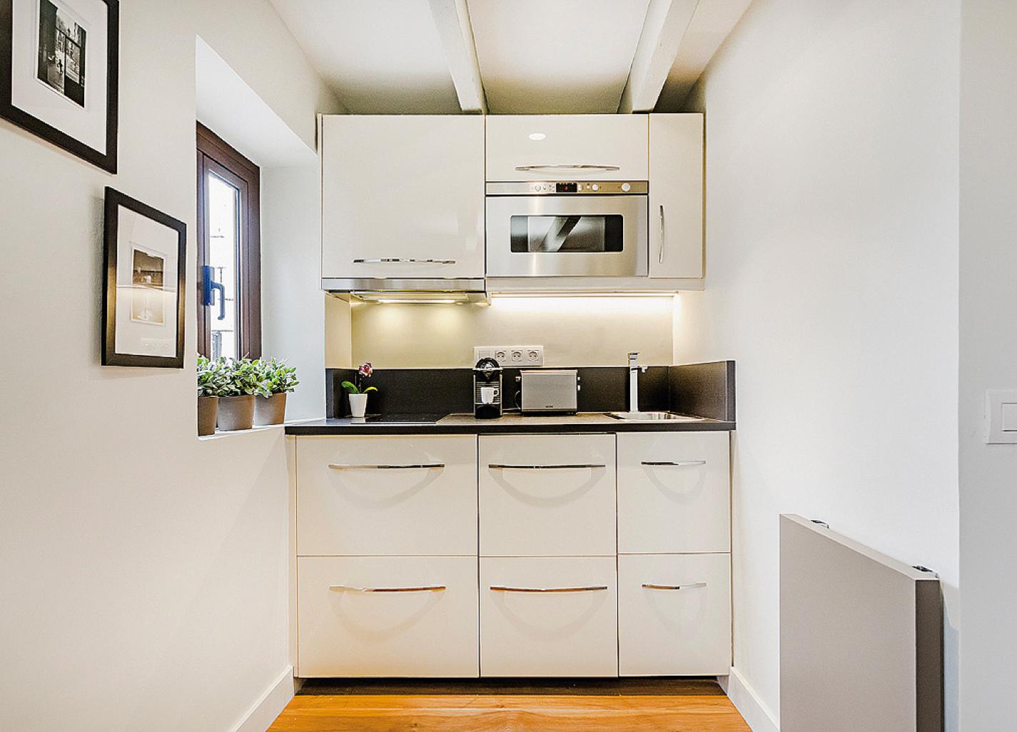 Boiserie c vivere meravigliosamente in 20 metri quadrati - Cucine per miniappartamenti ...