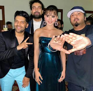 Will Urvashi Rautela be seen with Guru Randhawa and Yo Yo Honey Singh in their upcoming project...? Entertainment news masala news media kesari
