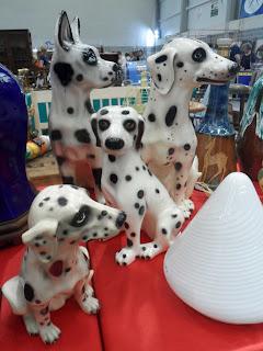 Figuras vintage de perros de porcelana