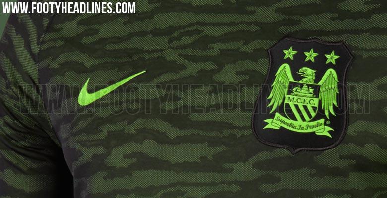 Nuevas camisetas de entrenamiento camufladas Nike del Manchester City 921390fa374e7