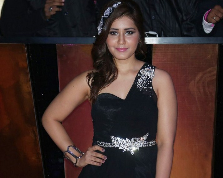 Model Rashi Khanna At Fashion Show In Black Dress