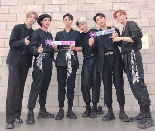Monsta X müzik şovlarına 6 kişi olarak devam ediyor
