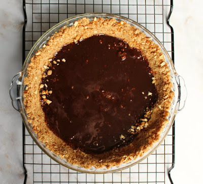 fudge base on pretzel crumb  pie crust