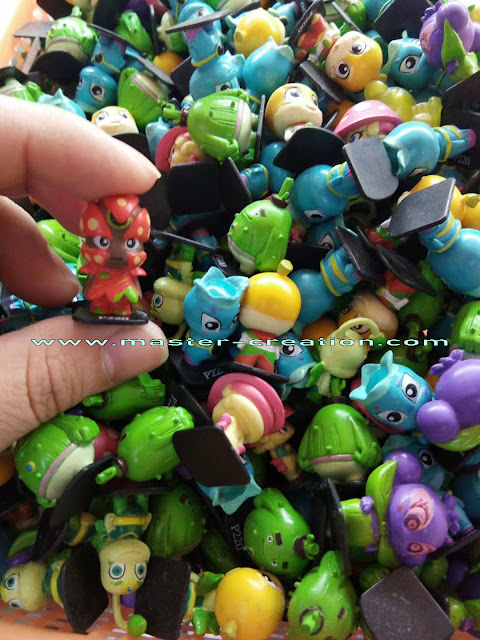 mini cartoon dolls