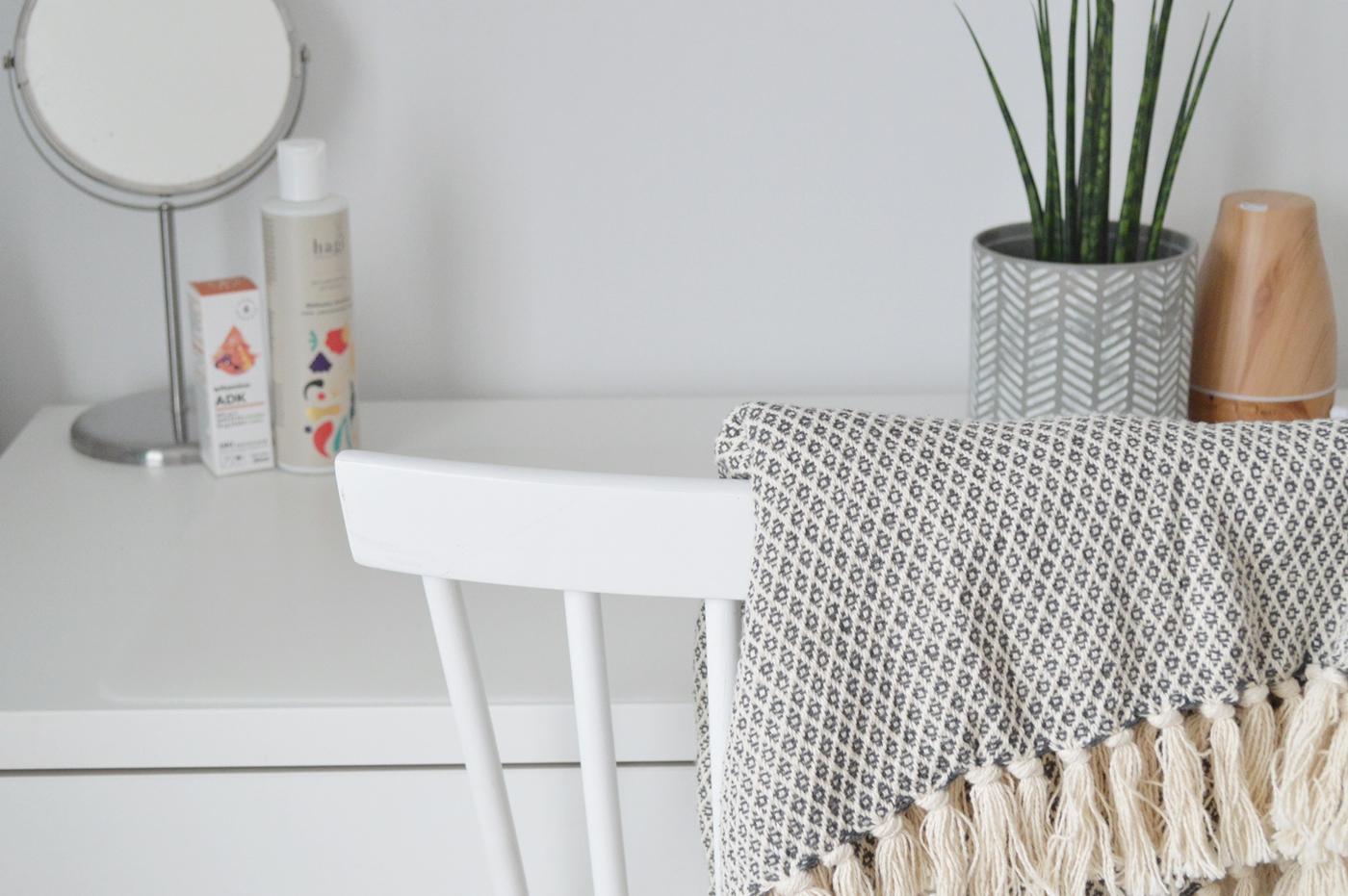 przegląd miesiąca minimalizm kosmetyki blog