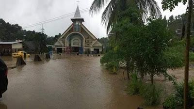 Akibat Banjir Melanda Manado Ribuan Rumah Terendam Termasuk Rumah Ibadah