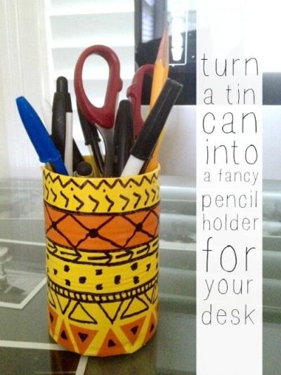 Wadah pensil terbuat dari kaleng bekas