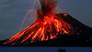 5. Letusan Gunung Krakatau, Indonesia