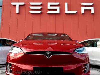 شركة تيسلا Tesla ستطرح سيارة كهربائية بسعر 25000 دولار نتيجة إبتكاراتها التي قلصت التكلفة في مجال البطاريات