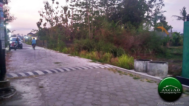 Tanah dekat Candi Prambanan, Jogja