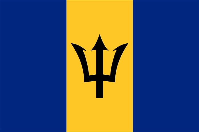 Bayrağında sarı olan ülkeler Barbados bayrağı