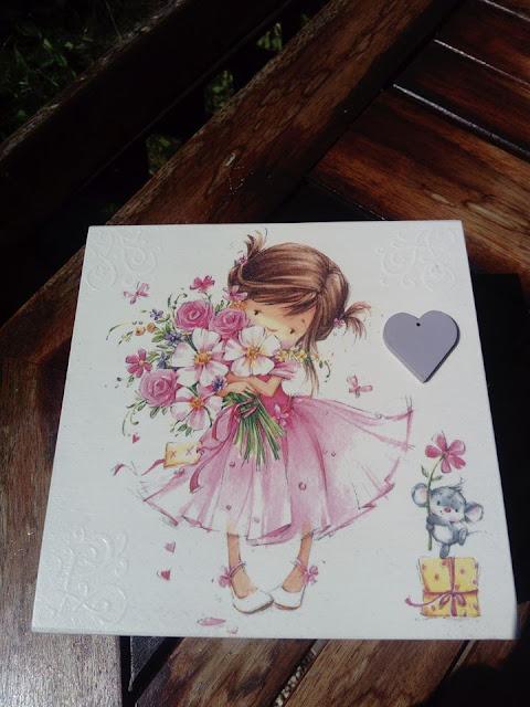 Inspiracje ze świata przyrody – dwie wersje pastelowej szkatułki z dziewczynką ;)
