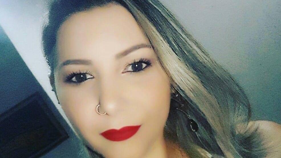Após ficar internada, mulher descobre traição da mãe com seu marido