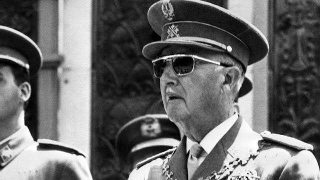 España: Casi 180 militares firman un escrito de alabanza y defensa de Franco