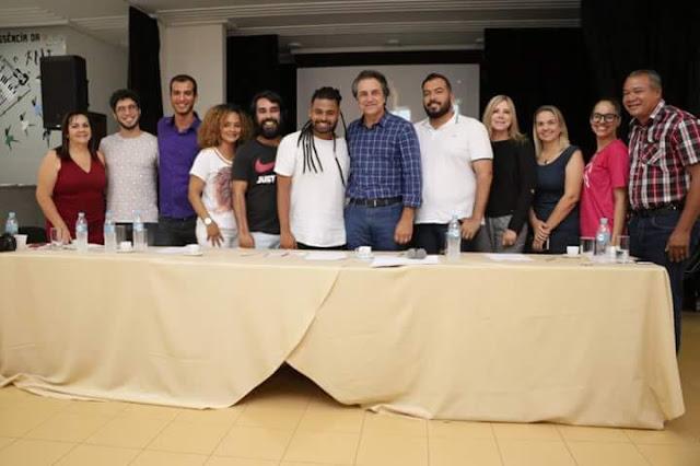 Prefeitura de Luís Eduardo Magalhães realiza primeira etapa de implantação da escola de música da Funceb no município