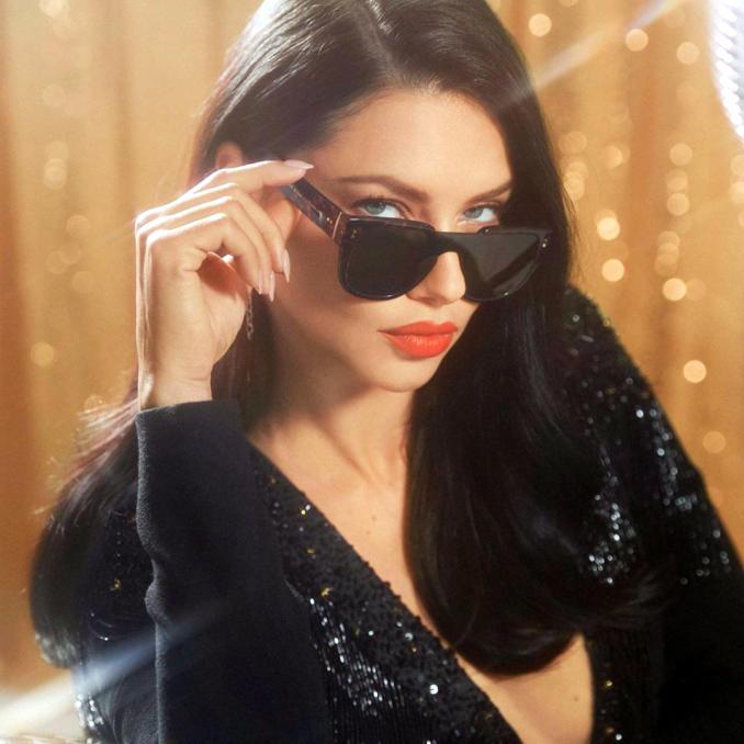 Adriana Lima Hot Looks