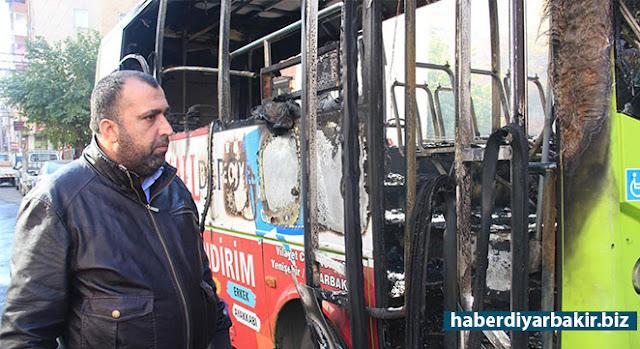 DİYARBAKIR-Diyarbakır'ın merkez Bağlar ilçesinde saat 22.00 sıralarında sahibi Cahit Karadaş tarafından park edilen özel halk otobüsü saat 04.30 sıralarında kundaklandı. Bu olayla, son bir hafta içerisinde kundaklanan halk otobüsü sayısı 3'e çıktı.
