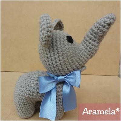 elefante amigurumi de costado