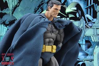 MAFEX Batman (Batman: Hush) 23