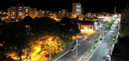 Vereador cobra melhoria de iluminação pública e pede diminuição do valor da taxa cobrada
