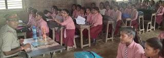 छात्राओं को शिक्षा के साथ ही सुरक्षा के गुर भी सीखने की जरूरत    #NayaSaberaNetwork