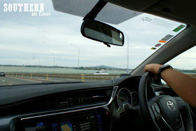 Driving to Birkenhead from Auckland Airport, New Zealand